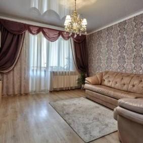 Классическая гостиная в городской квартире