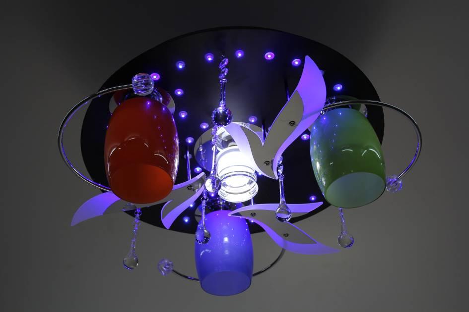Накладной светильник с разноцветными плафонами