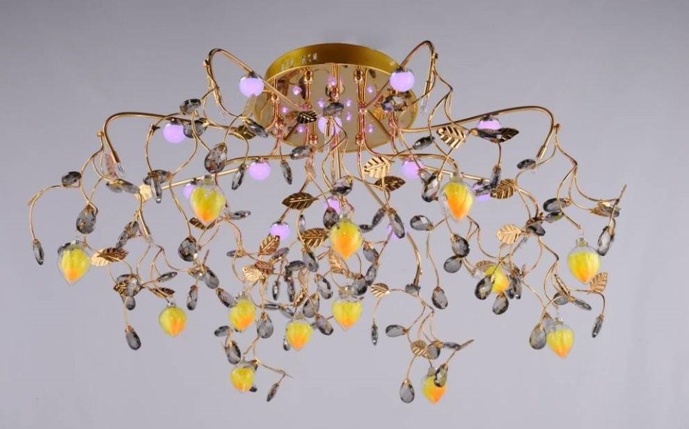 Люстра с галогенными лампами для зала с натяжным потолком