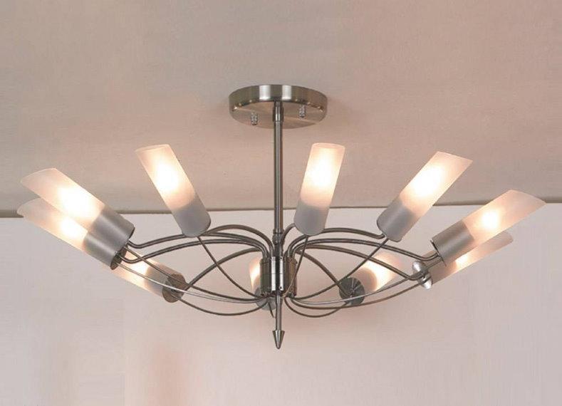 Современная люстра для зала с низким потолком