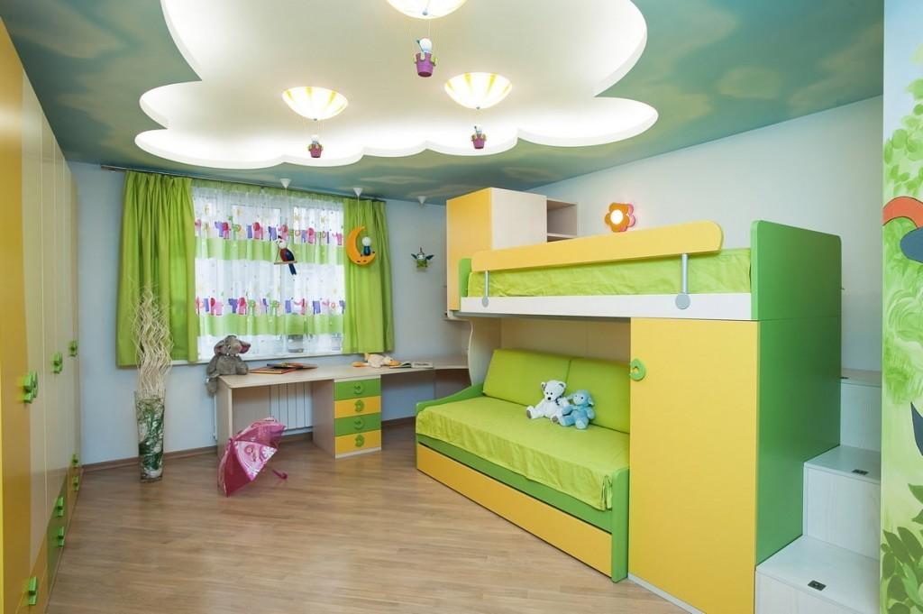 Комбинированный потолок в комнате для ребенка