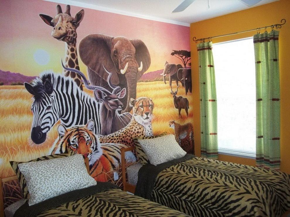 Зебра и другие животные на обоях в детской