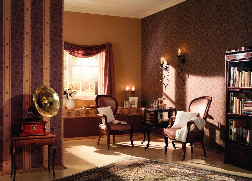Разные обои на стене гостиной в стиле ретро