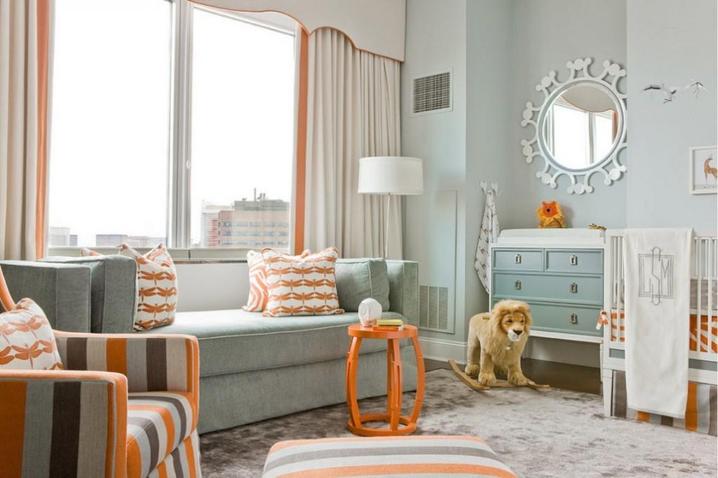 Оранжевые акценты в бело-голубой детской комнате