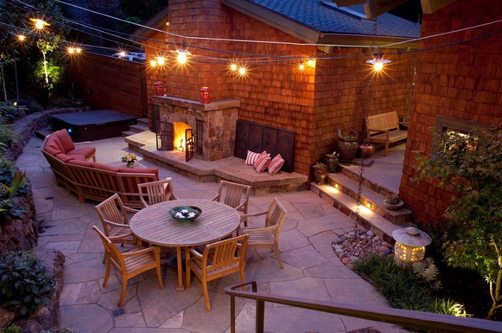 Освещения площадки для отдыха на дачном участке