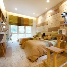 Пробковые панели на стене спальни