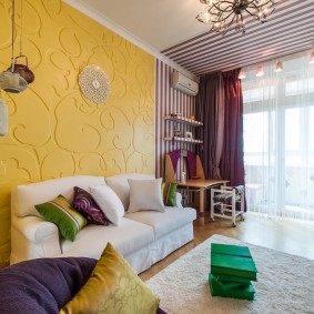 Объемные панели желтого цвета
