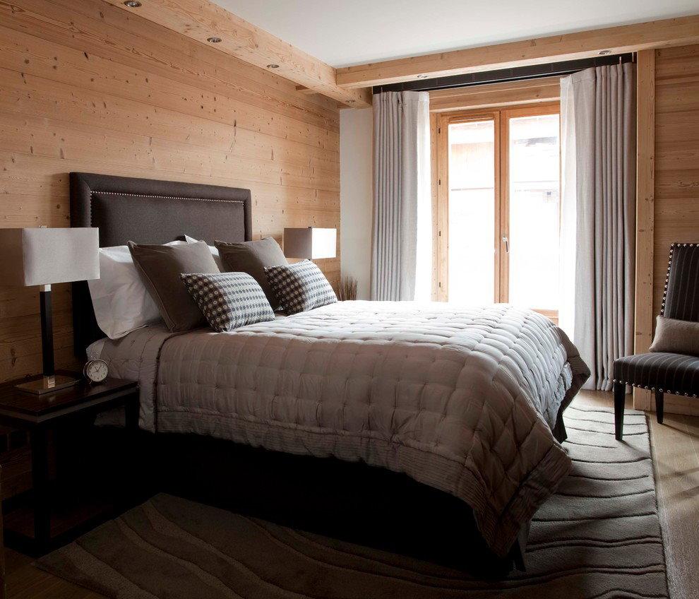 Деревянная облицовка в интерьере спальни