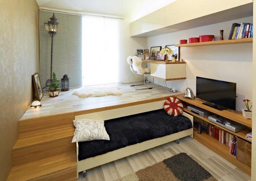 Подиум в комнате современного подростка