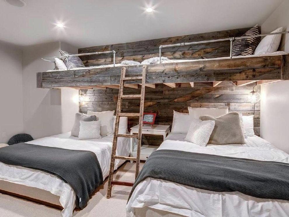 Спальное место на втором ярусе детской комнаты