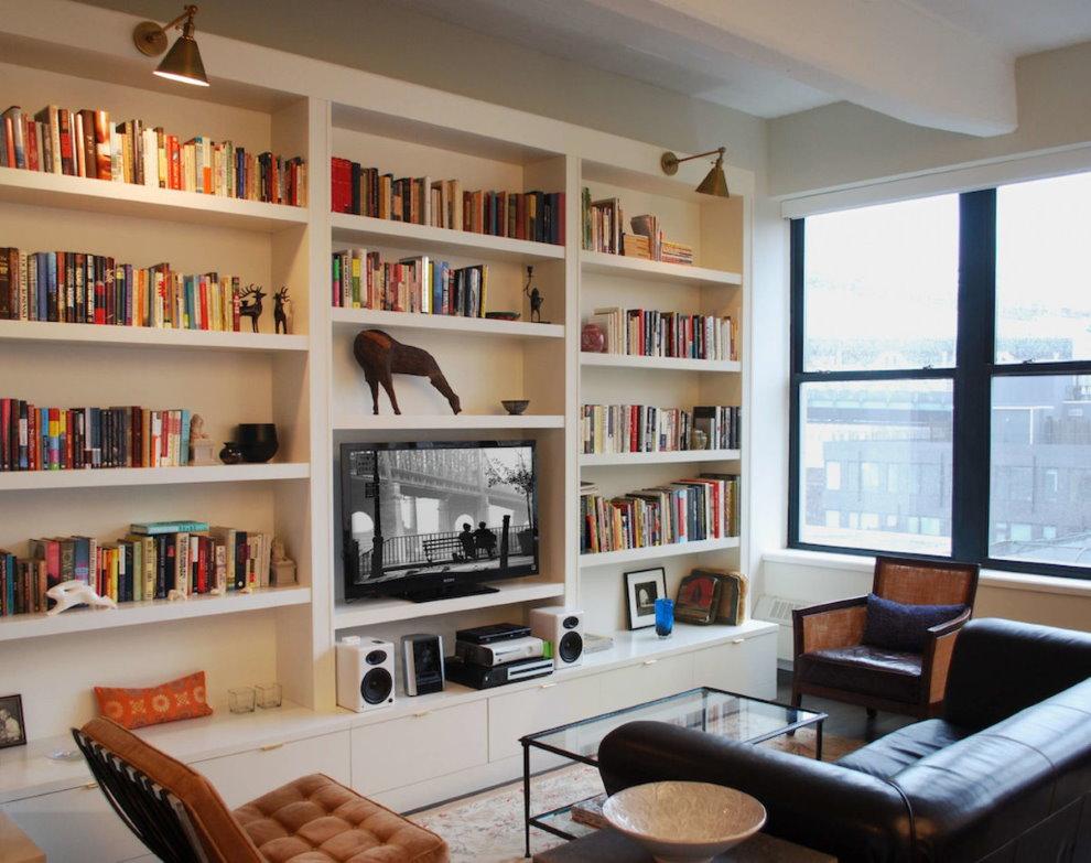 Хранение книг на полках в гостиной