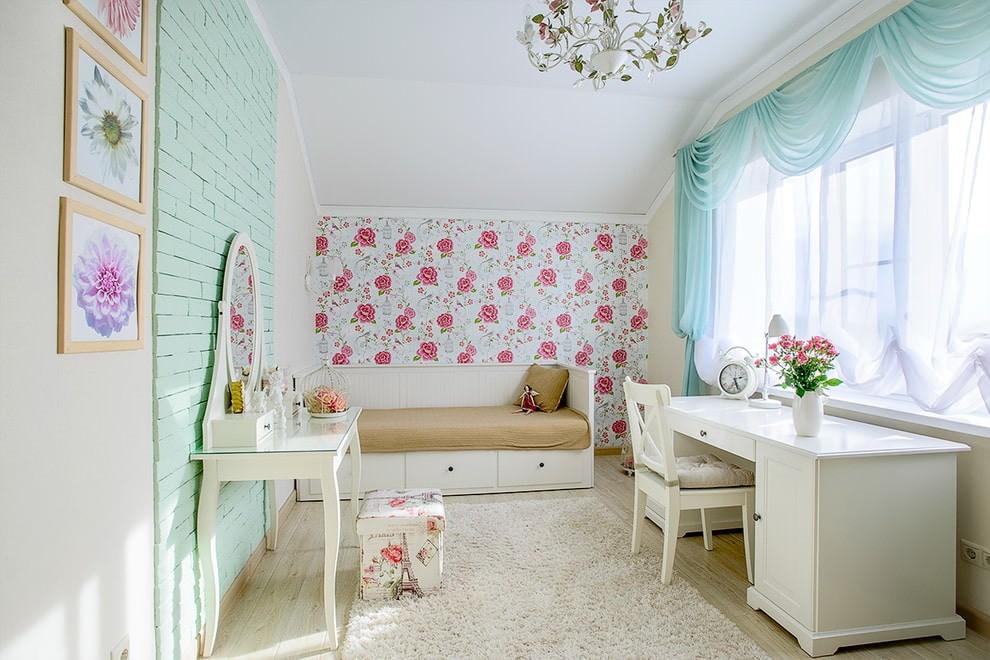 Цветочные обои в детской стиля прованс