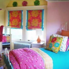 Красивые шторы в спальне девочки