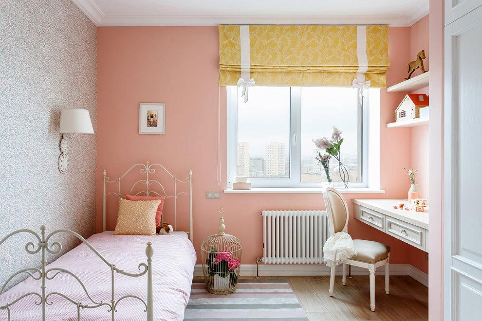 Розовая стена в детской комнате