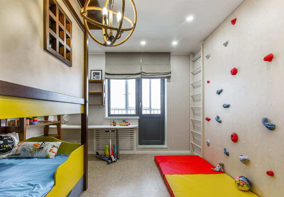 Серые римские шторы в комнате мальчика