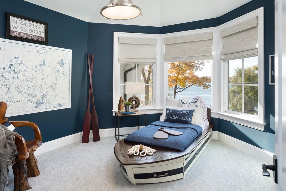 Интерьер детской комнаты в морском стиле с эркером