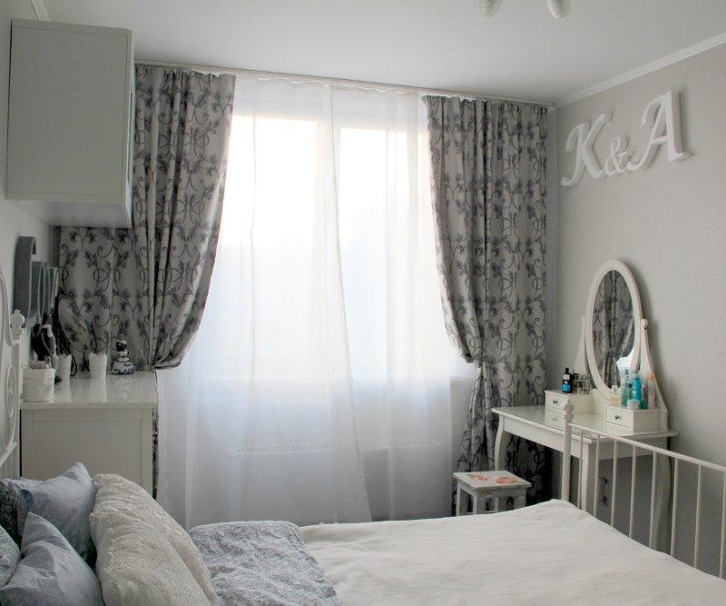Детская спальня со шторами серого цвета