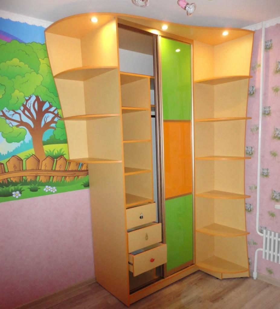 Детский шкаф-купе с подсветкой