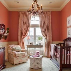 Классические шторы в детской спальне