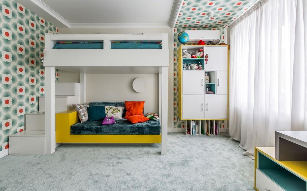 Двухъярусная кровать в белой детской