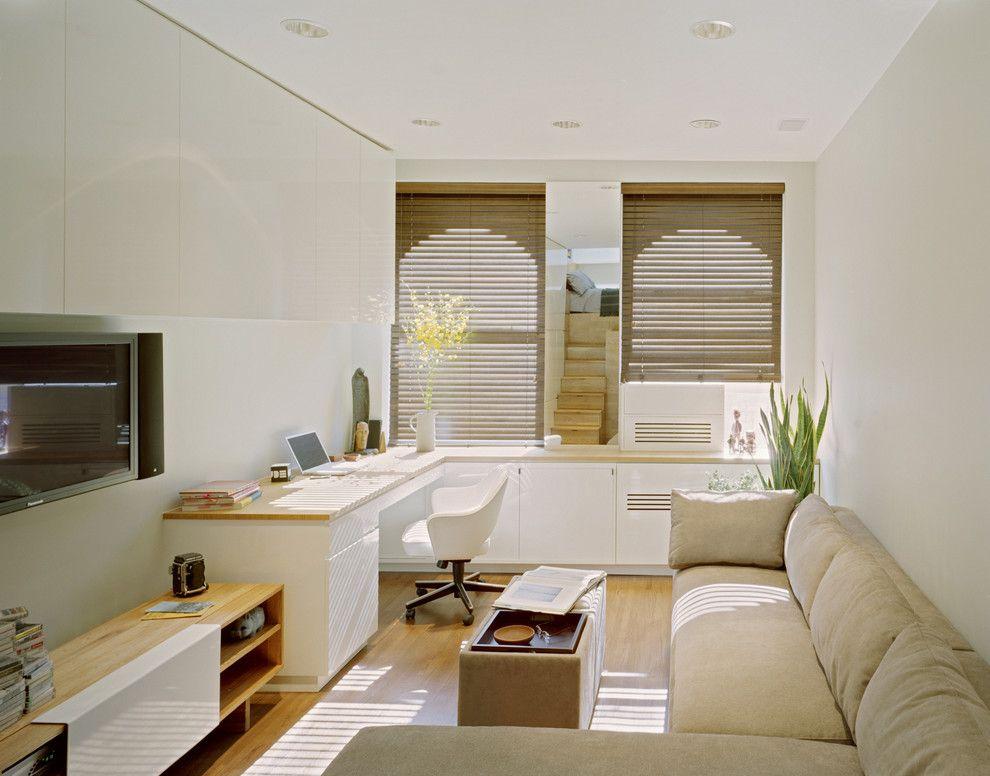 Белые стены комнаты площадью 17 кв метров