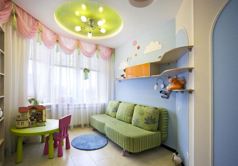 Люстра со светодиодными лампами в детской спальне