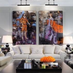 Яркий декор стены в гостиной комнате