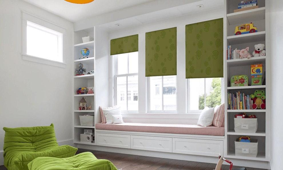 Рулонные шторы зеленого цвета в детскую