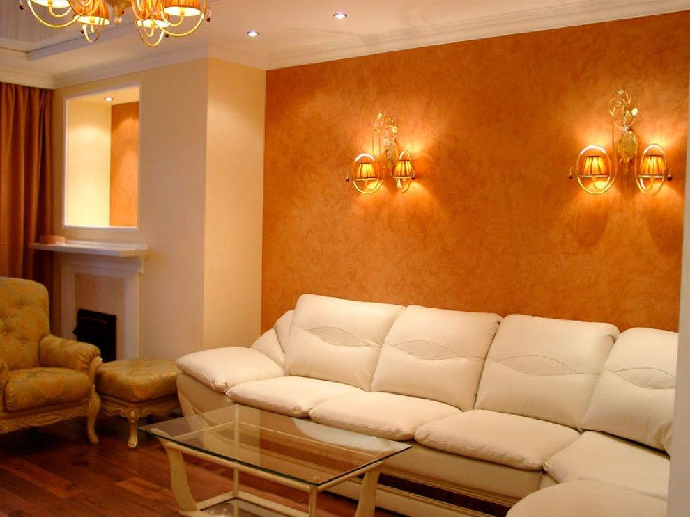 Декор стены за диваном жидкими обоями