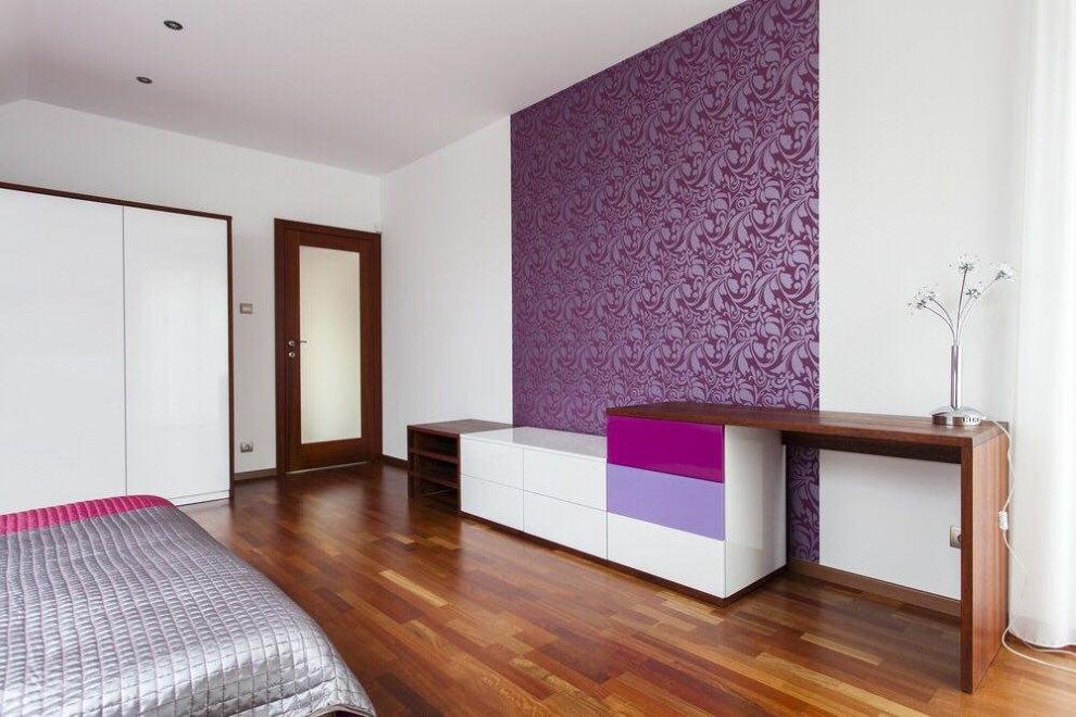 Зонирование обоями спального помещения