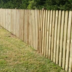 деревянный забор дизайн участка