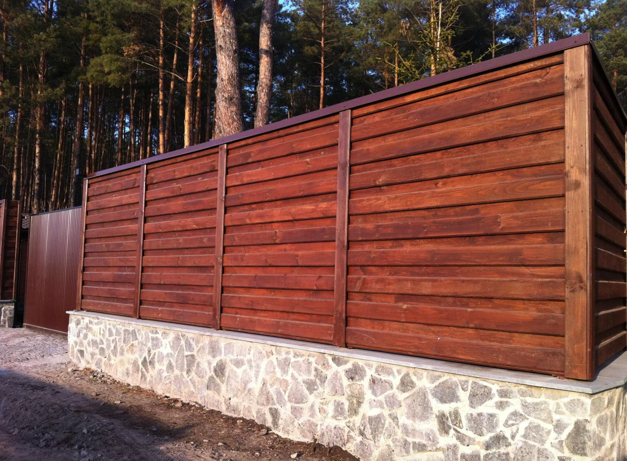 деревянный забор из обрезной доски