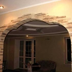 арка из камня в квартире оформление