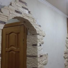 арка из камня в квартире фото оформление
