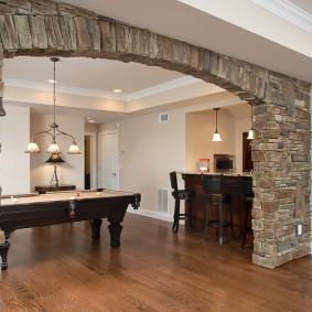 арка из камня в квартире виды оформления