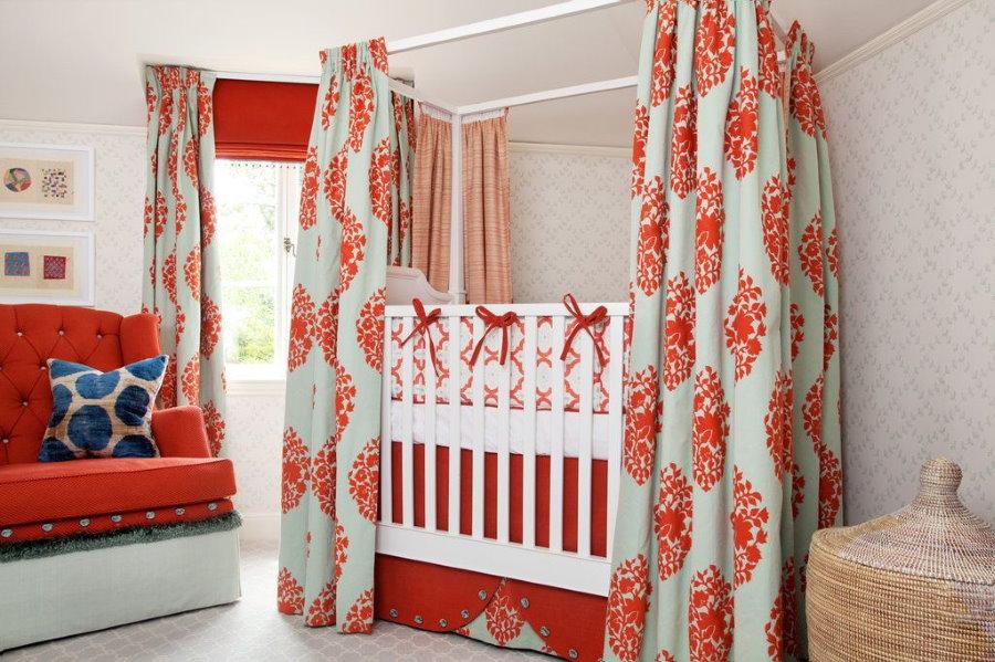 Детская кровать с прямоугольным балдахином