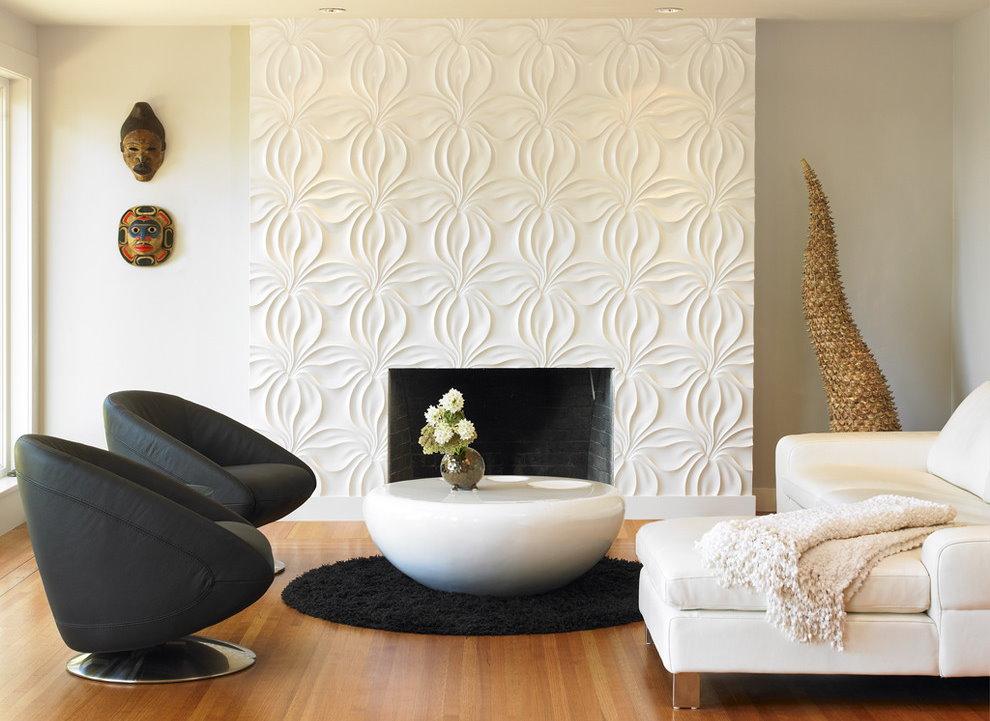 Оформление акцентной стены в зале с белым диваном