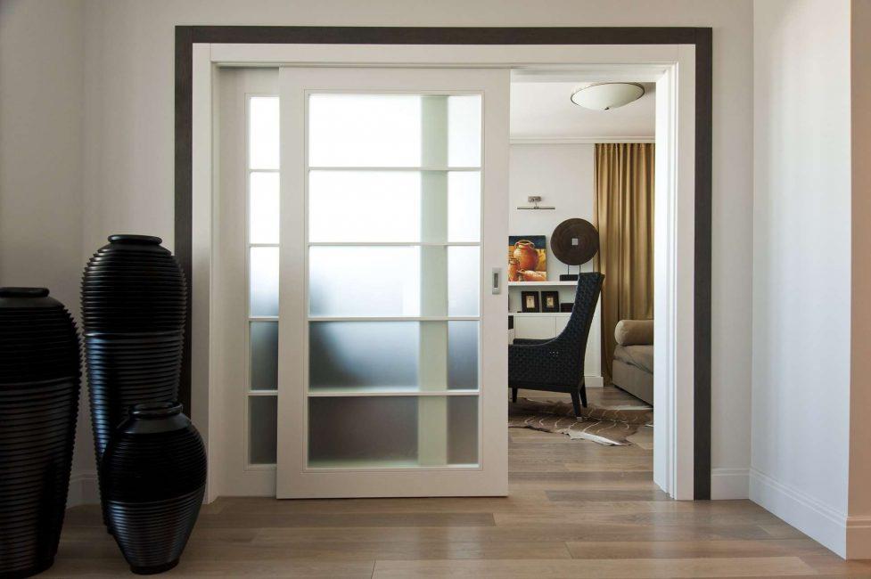 белые двери фото оформления