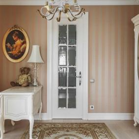 белые двери в квартире идеи декор
