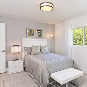 белые двери в квартире интерьер фото
