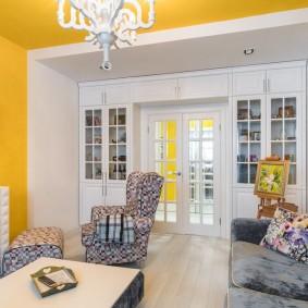 белые двери в квартире оформление идеи