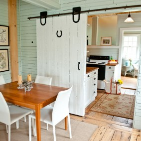 белые двери в квартире фото вариантов