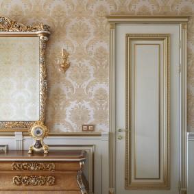 белые двери в квартире обзор