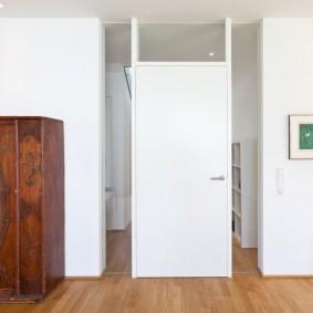 белые двери в квартире виды дизайна