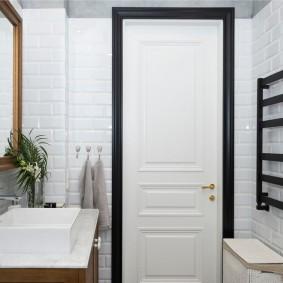белые двери в квартире виды оформления
