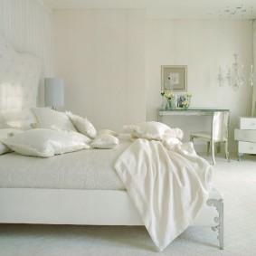белый интерьер квартиры идеи дизайн