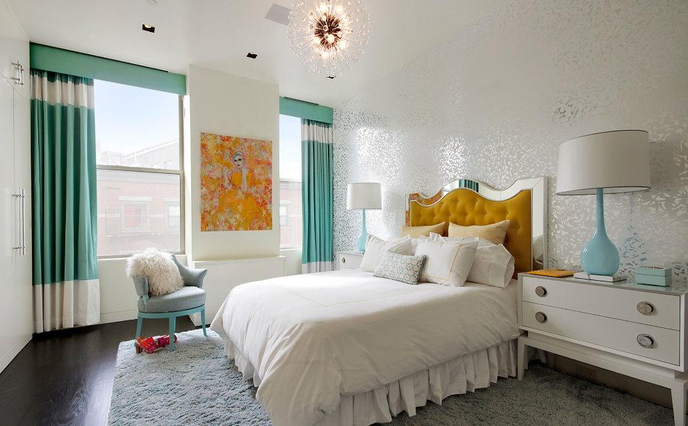 Бирюзовые занавески в спальне девочки