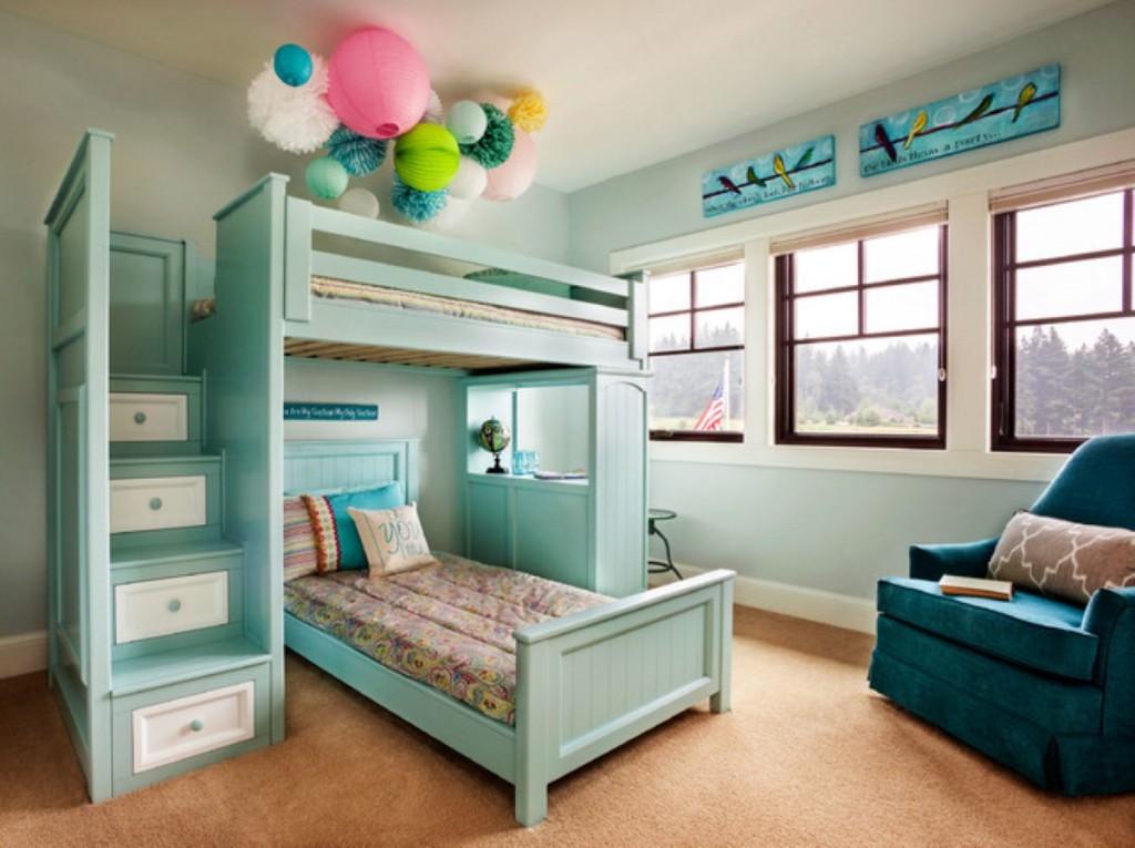 Бирюзовая мебель в спальне мальчишек