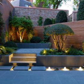 Декоративное освещения сада в современном стиле