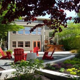 Садовые кресла красного цвета